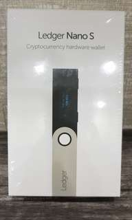 Ledger Nano S (Cryptocurrency Hardware Wallet)