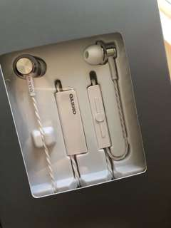 Onkyo E700BT Earphone