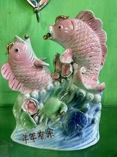 Patung Ikan koi keramik