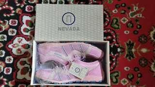 Sepatu Nevada Pink
