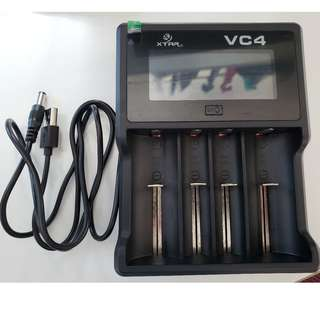 XTAR VC4 LCD USB Charger 獨立管道 充電器 ( AA, AAA, C, D, 18650, 26650) -