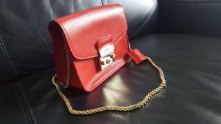 Red Gold Chain Sling Bag