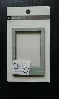 Magnetic photo frames (6 pack)