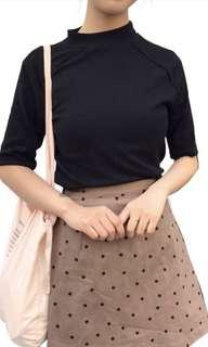 韓版修身顯瘦小高領黑色短袖上衣