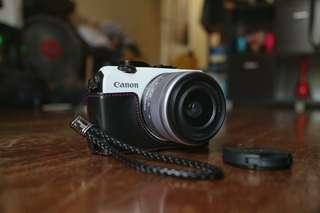Canon EOS M (Bundle + freebies)