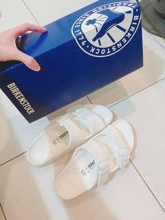 BIRKENSTOCK白色拖鞋(含運)