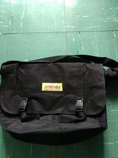 Manhattan PortageNY Messenger Bag