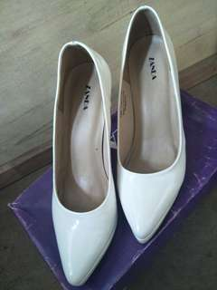 Zanea White Stilletos (Preloved)