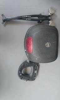 Givi box & rack for cb400 spec 3