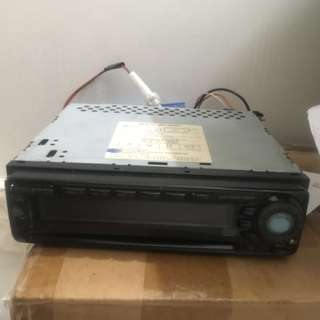 汽車機收音機CD機贈送喇叭 Car-CD Player FM Radio lound speaker可議價 discussible