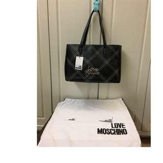 🈹️🈹️600# 100% NEW Love Moschino黑色真皮大容量手袋(2用) 100%真貨 ($1900包郵,不退換)特別款