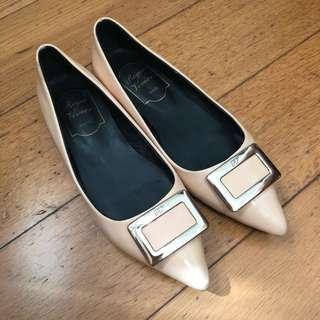 💯 Roger Vivier Flat Shoes creamy beige size 36 RV 米色平底鞋