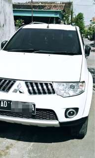 Mobil pajero exceed th 2009 sgt istimewa