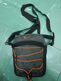 Nike nylon crossbody bag (尼龍單肩细袋)