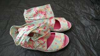 Nike floral shoes 花花鞋 真品 size 38 39