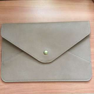 Envelope Clutch (Dustbag Included)