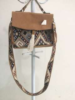 NEW !!! Tribal Bag (American Eagle)