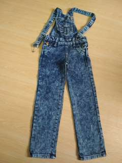 Girl jeans 5/6 years old