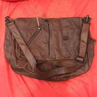 全新 真皮 日本製🇯🇵 leather bag 💼 手袋 斜背包 斜咩袋 包包 made in Japan