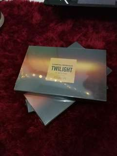 Focallure Twillight 18 Colors Eyeshadow Palette