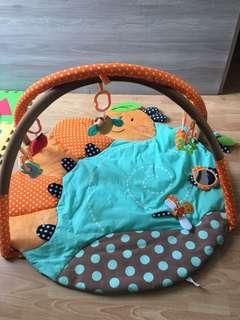 Tempat mainan bayi