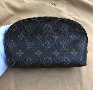 Louis Vuitton Cosmetic case pm