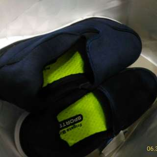 🚚 大尺碼布鞋藍色有鞋墊輕鬆好穿軟軟26半