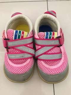 Sepatu IFME Pink