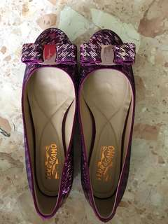Ferragamo carina coo purple sequins
