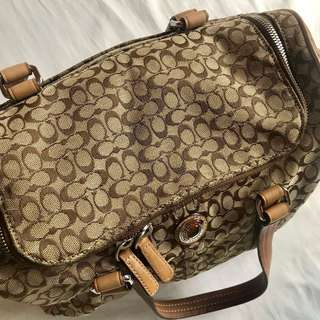 Authentic Limited edition Coach Two Way Shoulder and Hand Bag excellent condition in classy brown beige