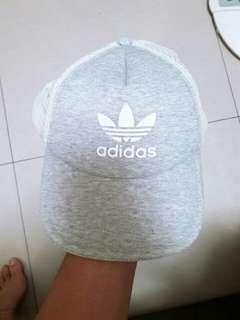 🚚 adidas女生老帽