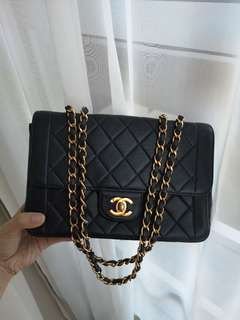 Chanel Vintage Lambskin Authentic !