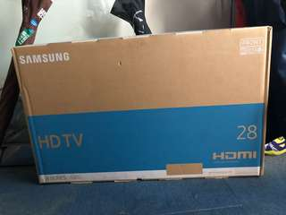 "Samsung 28"" TV HDTV + Samsung Blueray player"