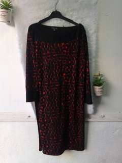 Black and Red 3/4 Sleeve Dress