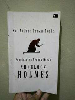 Novel Sherlock Holmes Penelusuran Benang Merah