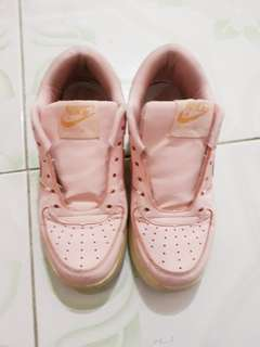 Nike (peach)