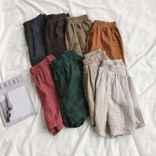 夏天多帶幾件穿/舒適透氣亞麻鬆緊短褲