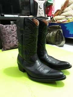 Boots Cobow
