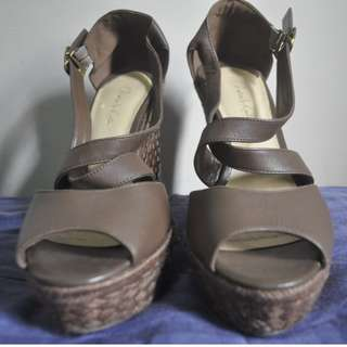 CHARLES & KEITH WEDGE BROWN
