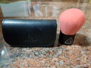 3ce powder brush- travel size