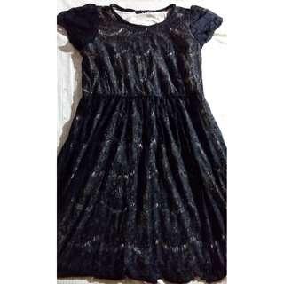 黑色蕾絲圓領短袖洋裝