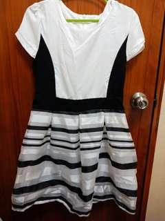 Black and Ehite Sunday Dress