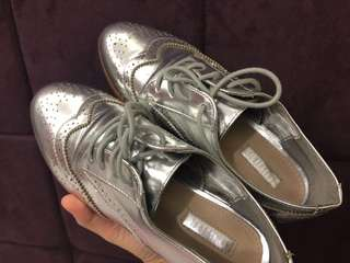 Forever 21 Silver Oxford Shoes