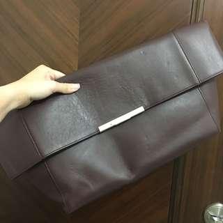 Celine 型格皮手提包 一口價 $1000