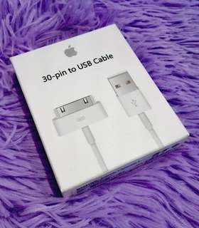 "Apple 30 pin charger for Iphone 4s Ipad 1 2 and 3 ""Guaranteed fast transaction with us"""