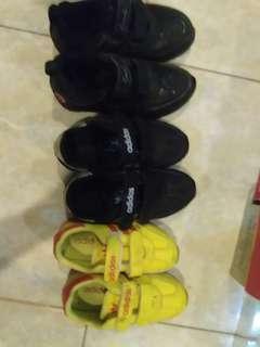 Sepatu merk carvil dan adidas