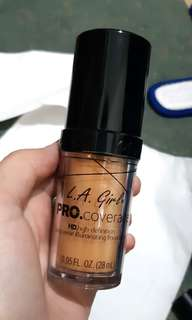 Foundation LA girl