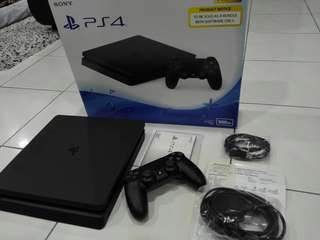 Playstation 4 Slim / PS4 Slim 500GB Under Warranty Fullbox
