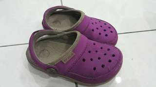 Preloved crocs shoes