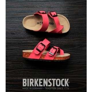 Sandal Birkenstock Anak tanggung Gesper 2 Silang Pink.